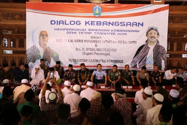 Pemkab Ponorogo Gelar Dialog Kebangsaan Bersama Maulana Al Habib Muhammad Luthfi Bin Ali Bin Yahya